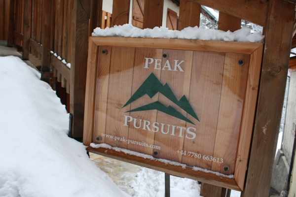 Peak Pursuits Snowy Sign